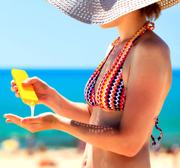 usare la cream solare per prevenire le rughe