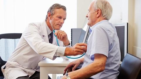 Rivolgersi al medico di base per un consulto sui dolori articolari