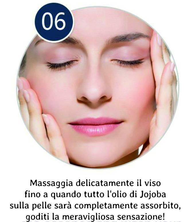 Massaggia il viso e goditi la nuova pelle